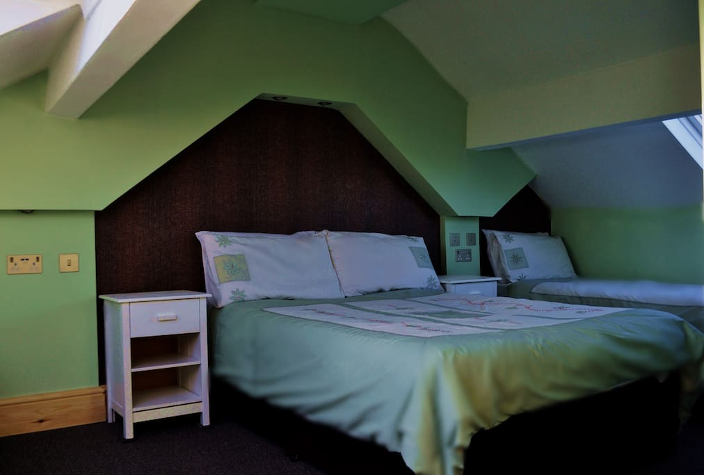 Attic room for 5people #10