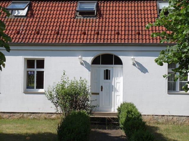 Großzügiges Ferienhaus im ländlichen Brandenburg - Dahmetal - Huis
