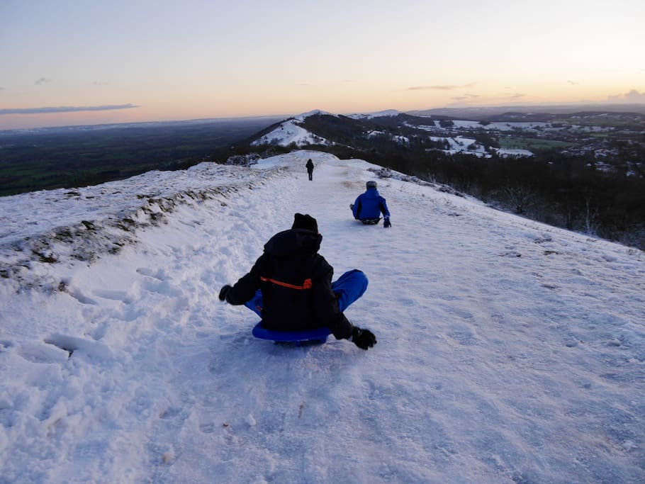 Seasonal fun on the slopes of the Worcestershire Beacon above Valley View Cottage