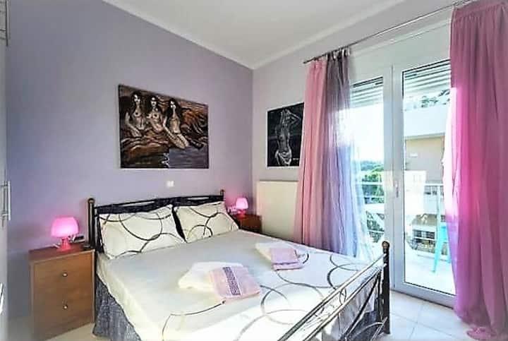 Pasiphae Art Bedroom in AπArt Gallery Villa