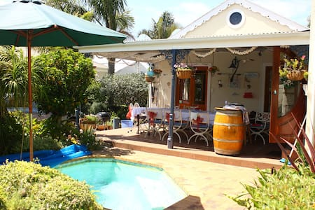 Disa Cottage, Whale Watching on your doorstep - Hermanus