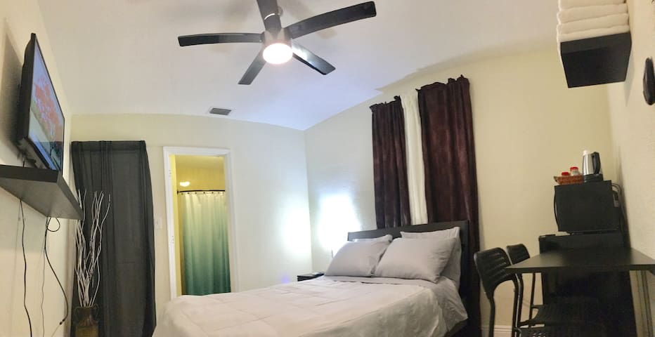 Central air conditioner + LED Ceiling fan with remote control