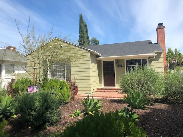 Home away from home in trendy Cal Heights