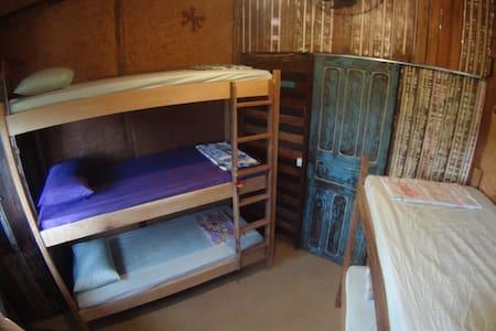 Oka-Mauna EcoHostel - Timbé Room for backpackers