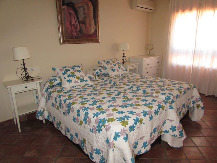 los dormitorios tienen acceso a una amplia terraza