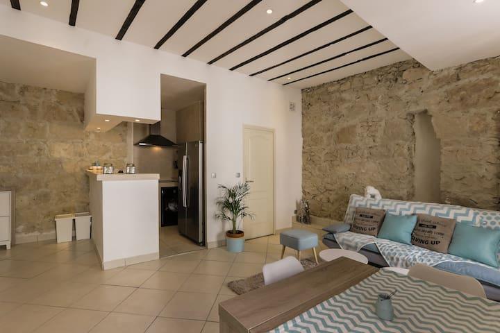 2-room apartment in Gambetta/sea.
