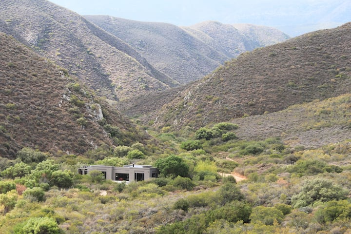 Bush House @Doornkloof: Private, Secluded Retreat