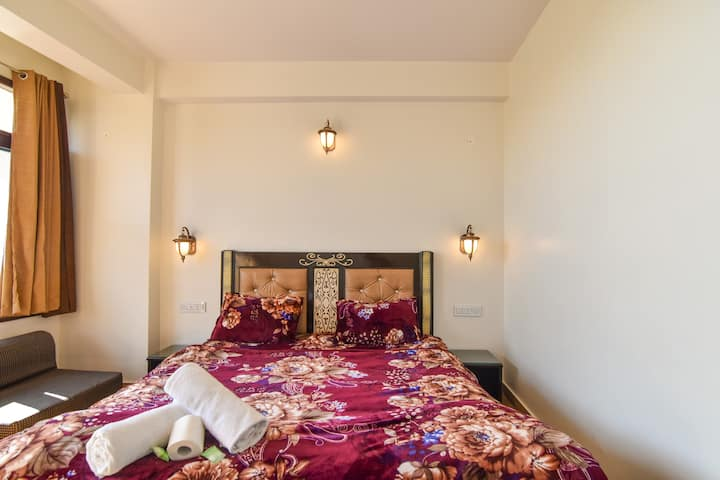 Modern,   Room 20 MINT WALK TO MALL ROAD  SHIMLA