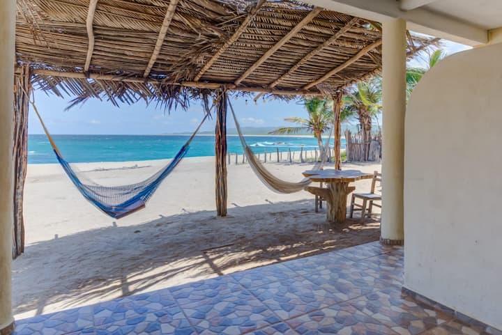 Mazul hotel, Habitación hermosa vista al mar