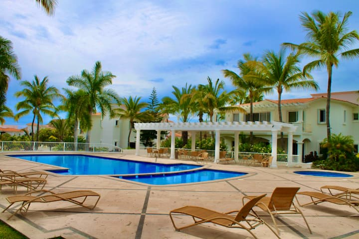 Palmilla Villas de Oro Phase 1
