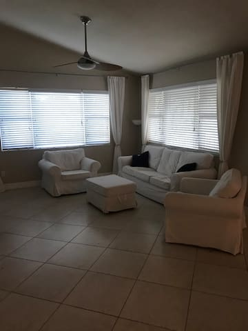 Large living space for TV watching, family fun time or romantic beach house getaway . Our beach house meets all your needs!