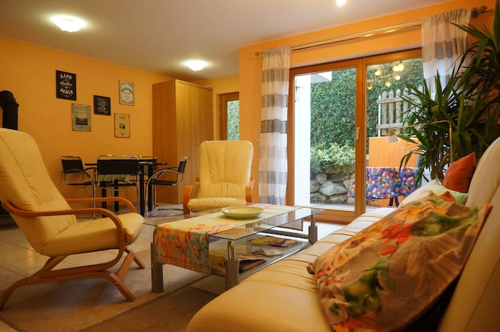 Modern 2bdr & garden, 400m to lake