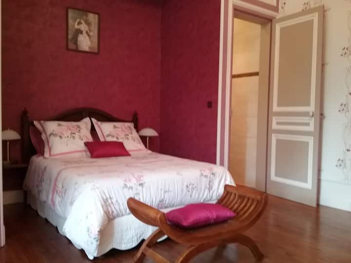 Chambre  ROUGE GORGE  Château des Marronniers