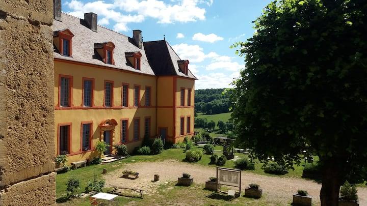 Gîte du Château de Sainte Colombe 26 pers.