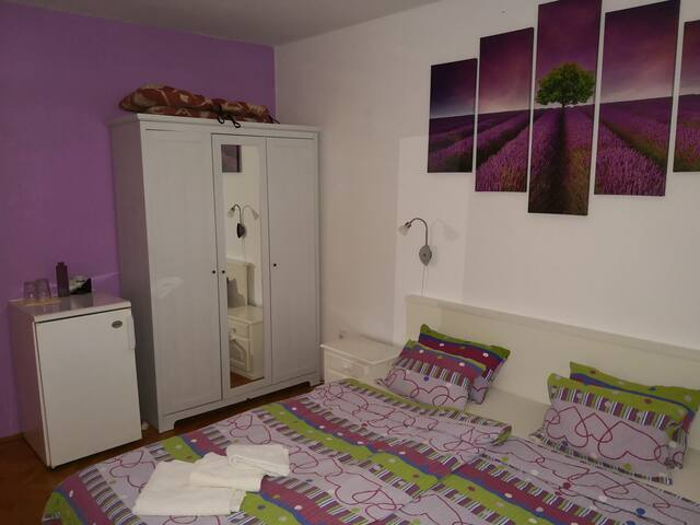 Room with bathroom LAVANDA 2 min from beach