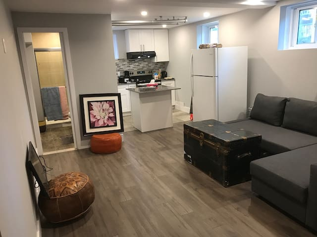 Fully renovated and elegant  Studio 15mns Downtown