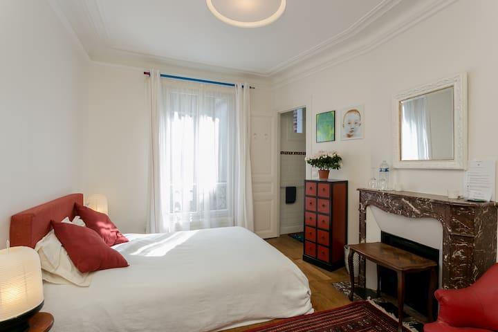 Nice cosy quiet room with org Bfast - Paris - Apartamento