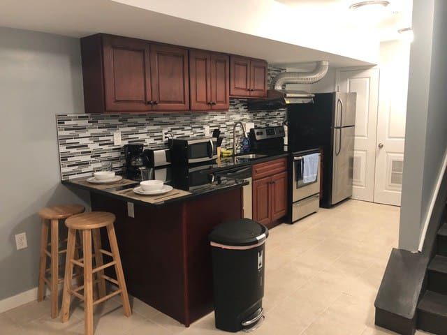 One Bedroom Apt by Downtown Convention Center -1B