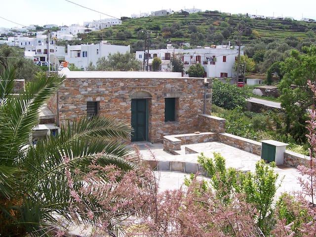 Sifnos stone house  maison de pierre πέτρινο σπίτι