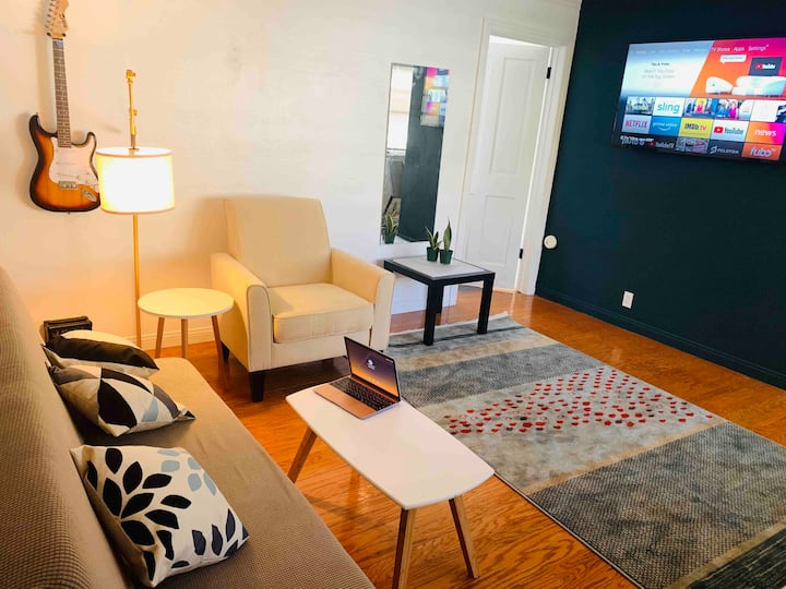 Cheerful and airy 1 bed condo