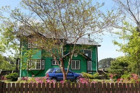 그린하우스(여성전용 Guest House)- Master Bedroom 프라이빗룸(3-4) - Nanseolheon-ro 78beonan-gil, Gangneung-si