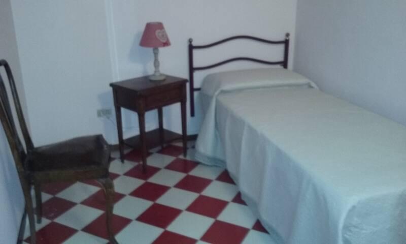 Allo Spazza camera singola