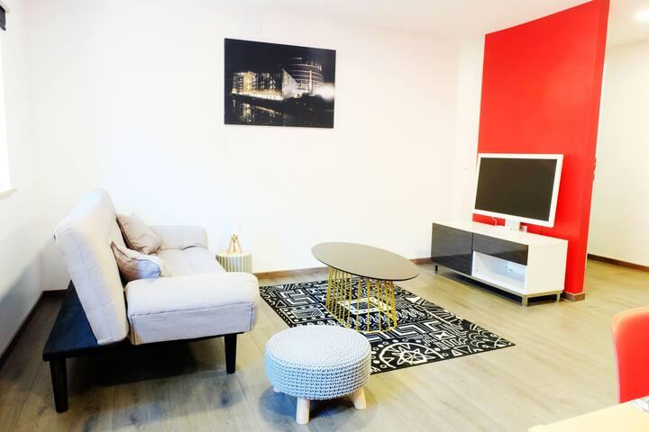 """Gite-Ottrott : modern """"rouge"""" apartment"""