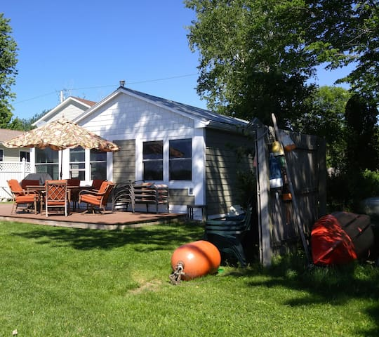 Lake Champlain Cottage - Water Front West Views! - Alburgh - Cottage