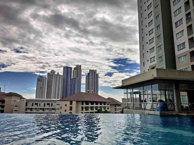 【超级低价】芭提雅Lumpini花园式公寓高层海景房,交通便利生活设施完善,v:xtl3000 优惠