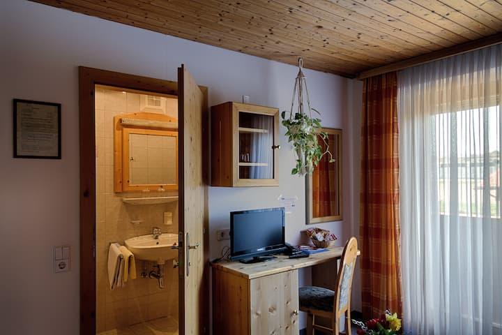Balkon-Familienzimmer mit Bergblick