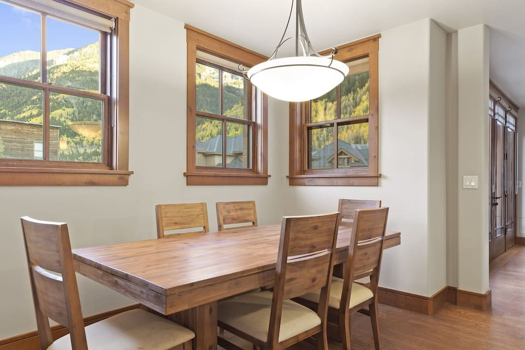 Formal Dining Area With Seating for 6 - Great views of the surrounding mountains