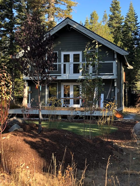 Homewood Quiet Cabin