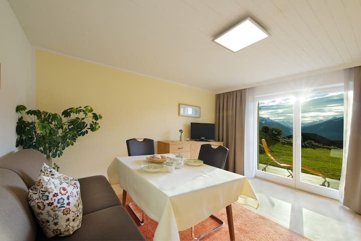 Holyday apartment for 2-4 per  10 min to Innsbruck