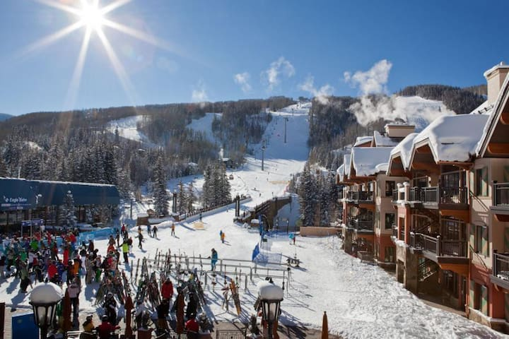 41 Seconds Walk to Ski Lifts! Sleeps 4 people