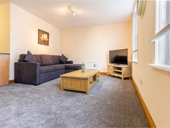 Inviting & Warm One Bed City Centre Apartment