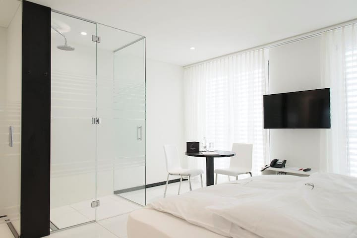 Studio 25m2, 1200.-   Loftküche