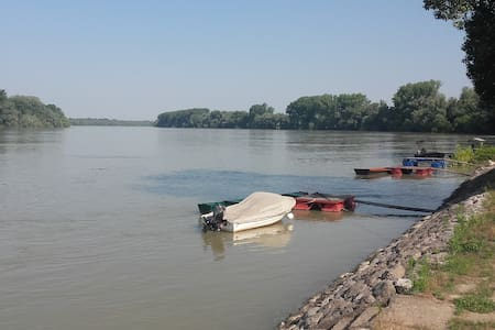 Datsche am Donau, Vojvodina, Serbien - Bezdan