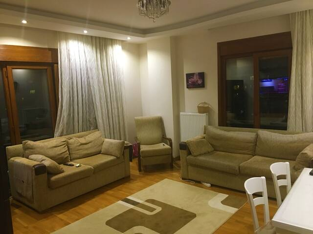 Apartment Located in Bostancı