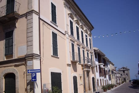 Beautifully restored one bedroom apartment seaview - San Vito Chietino - Leilighet