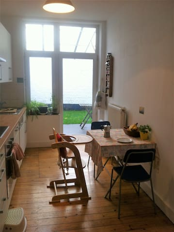 Lovely and cosy family apartment in the EU quarter - Etterbeek - Appartement