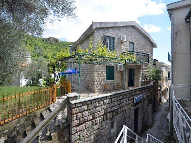 Guest House Villa Astera - Rafailovići - Casa
