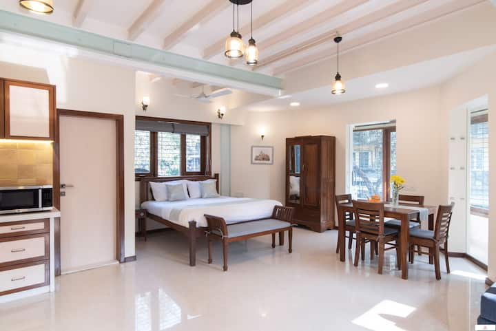 Experience Old World & Luxury in Colaba!
