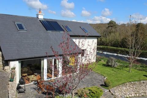House with River Barrow View - Borris Co Kilkenny