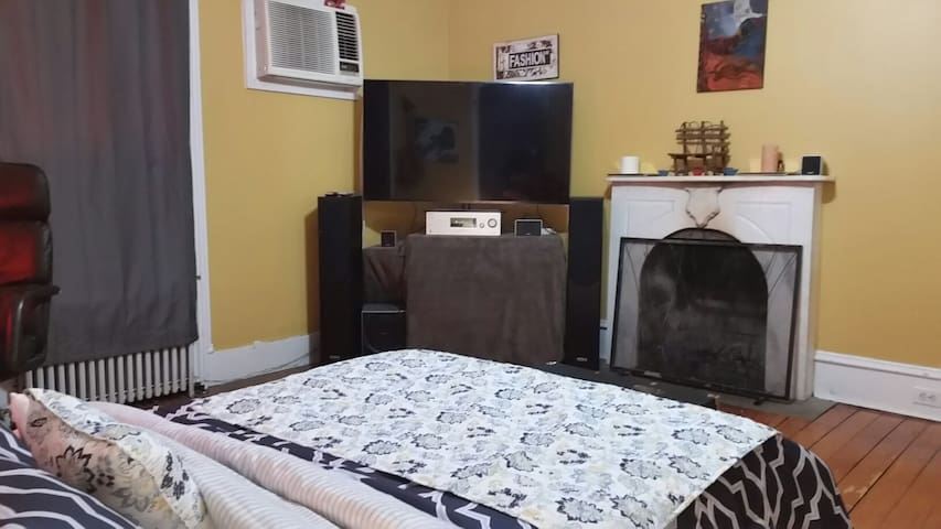 Luxury Bedroom w Fireplace & Theater In Room! - Monsey