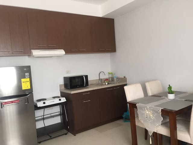 Spacious, 1 bedroom with Pool and parking - Mandaue City - Lägenhet