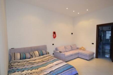 Modern Studio Apartment in the Heart of Sorrento - Wohnung