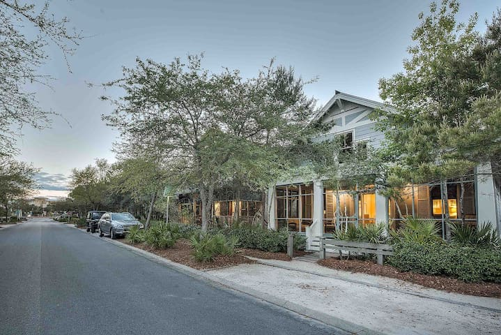 30A Rental in Heart of Watercolor - The Seacret of Life