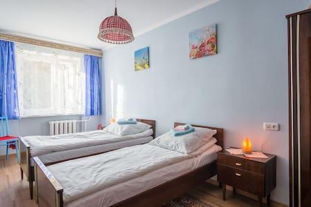2-х комнатная квартира возле Арены