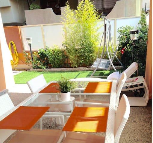 Casa nueva con jardín junto al mar - Torre Faro - บ้าน