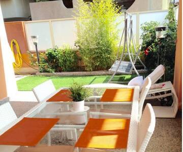 Casa nuova con giardino max confort, 50 m spiaggia - Torre Faro